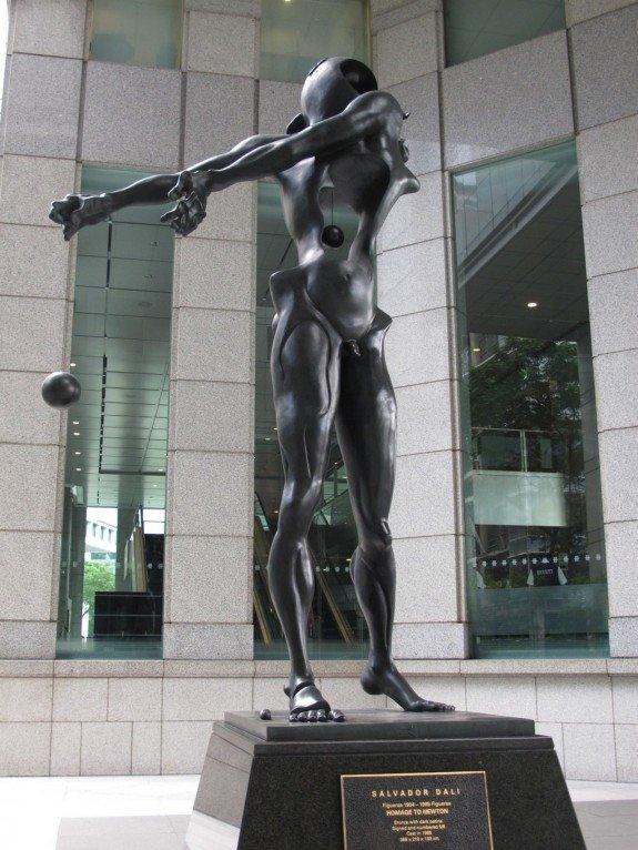 Newton's statue Dali