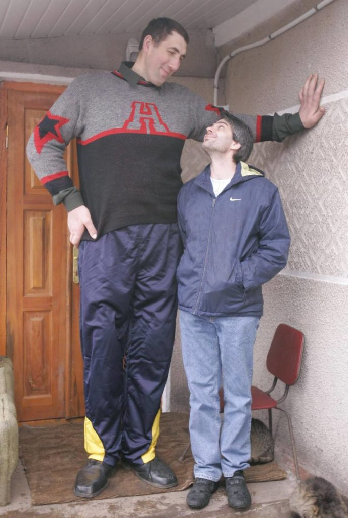 Top 10. The tallest people in the world and their short history